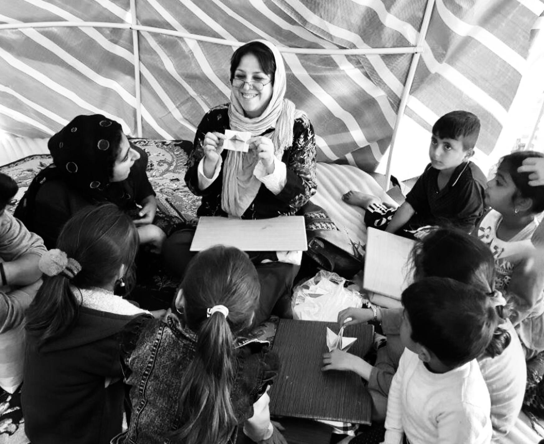 آذر مبارکی بانویی برای کودکان ایران زمین